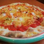 タコと各務原キムチのピザ(くうかい)